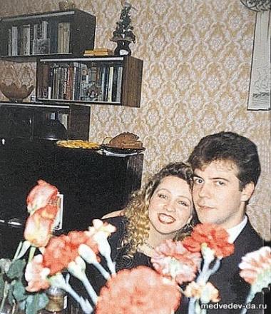 مدفيديف مع زوجته