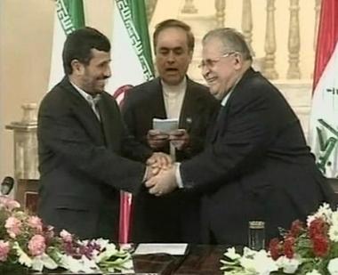 نجاد يتحدث عن فتح صفحة جديدة بين إيران والعراق