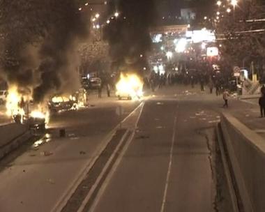 الإشتباكات في أرمينيا أدت إلى إحراقِ عدد كبير من السيارات