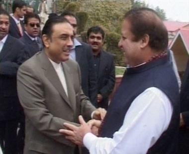 تحالف حزبين رئيسيين لتشكيل حكومة ائتلاف باكستانية