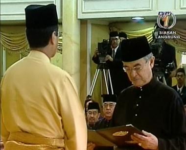 رئيس وزراء ماليزيا الى ولاية جديدة باغلبية بسيطة