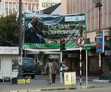 ممثلو الاتحاد الأوروبي يناشدون موغابي بإعلان نتائج الانتخابات الزيمبابوية
