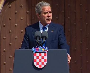بوش: أبواب الناتو مفتوحة أمام دول أوروبا الشرقية
