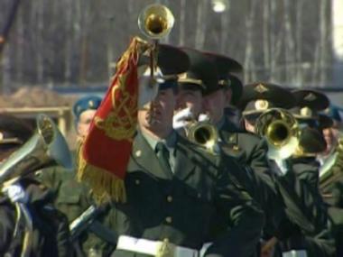 تدريبات للعرض العسكري بمناسبة ذكرى النصر السوفيتي