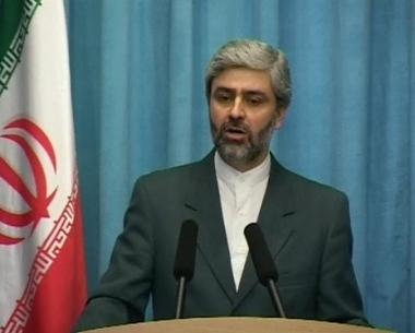 حسيني ينفي وجود الرهائن البريطانيين في ايران