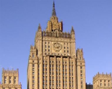 الخارجية الروسية تشجب محاولة اغتيال كرزاي