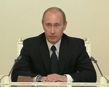 في آخر اجتماع معهم.. بوتين يشكر اعضاء حكومته