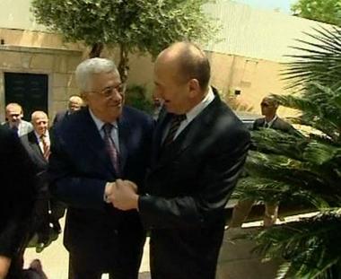قضايا الوضع النهائي في صدارة مباحثات عباس- أولمرت