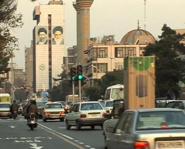 إيران ترفض وقف تخصيب اليورانيوم مقابل الحوافز الغربية الجديدة