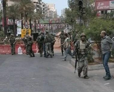 اشتباكات مسلحة في بيروت تعيد للأذهان شبح الحرب الاهلية