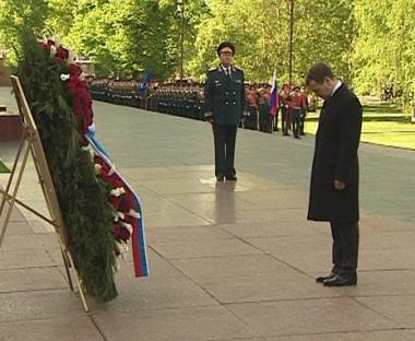 الرئيس الروسي الجديد يهنئ المحاربين القدامى بعيد النصر
