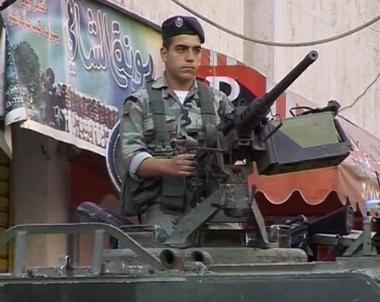 الجيش اللبناني يبدأ بفرض النظام قي البلاد