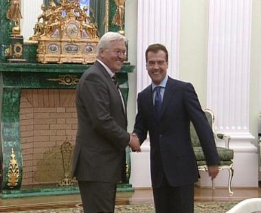 مدفيديف يشيد بمستوى العلاقات بين روسيا وألمانيا