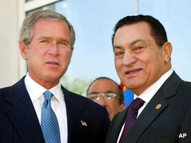 بوش يبحث مع مبارك وعباس تطورات عملية السلام