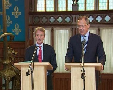 لافروف وكوشنير يبحثان التعاون بين روسيا والاتحاد الأوروبي