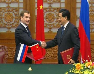 في ختام الزيارة: مدفيديف يثمن التعاون الاستراتيجي مع بكين