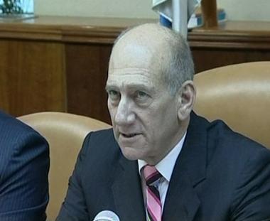 اولمرت يطرح ملف المفاوضات مع سورية على طاولة حكومته