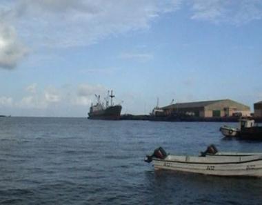 شركة هولندية تجري مفاوضات مع قراصنة صوماليين
