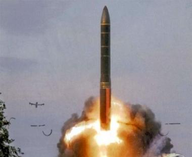 تجارب اطلاق الصاروخ الاستراتيجي