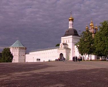 روسيا تحتفل بعيد الثالوث المقدس