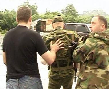 الداخلية الجورجية تطلق سراح 4 جنود روس