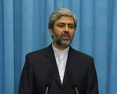 علي حسيني: العقوبات الجديدة لن تؤثر على برنامج إيران النووي