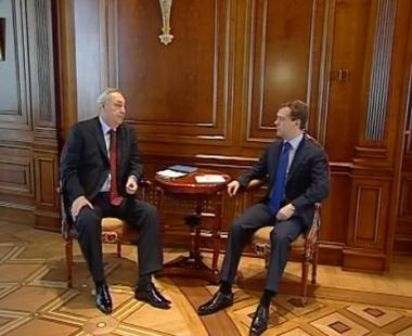 مدفيديف يدعو جورجيا وأبخازيا إلى الالتزام بإتفاقية موسكو