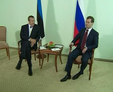 مدفيديف يلتقي رؤساء فنلندا وإستونيا وهنغاريا