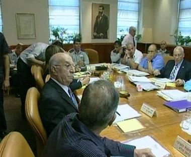 إسرائيل توافق على تبادل الأسرى مع حزب الله