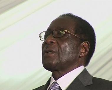 موغابي يؤدي اليمين الدستورية رئيسا لزيمبابوي
