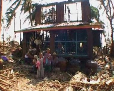 طلبة ميانمار يبدأون الدراسة في بقايا مدارس