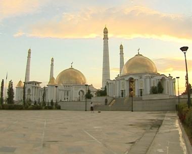القضايا الإقتصادية والتجارية على جدول أعمال المباحثات بين موسكو وعشق أباد