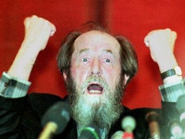 روسيا تفقد ابرز كتابها المعاصرين .. الكسندر سولجنتسين