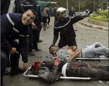 مقتل 8 اشخاص في هجوم انتحاري في الجزائر
