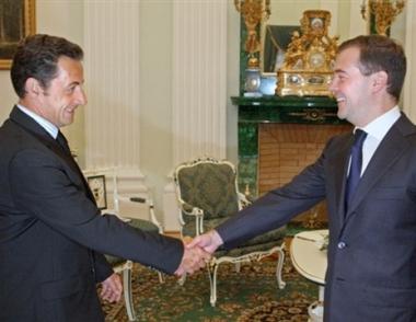 ساركوزي يرحب بوقف العملية العسكرية الروسية في القوقاز