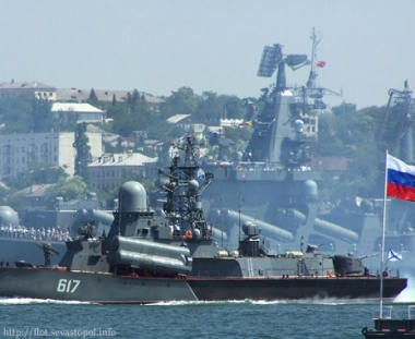 يوشينكو يعطي تعليماته للأسطول الروسي