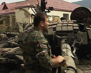 هل حرب سآكاشفيلي على أوسيتيا الجنوبية تخدم فوز ماكين؟