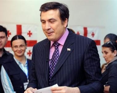 ساكاشفيلي يفقد شعبيته بين مواطنيه والعالم