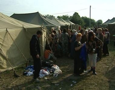 وصول وفد منظمة الامن والتعاون الاوربي لتفقد اوضاع لاجئي حرب القفقاز