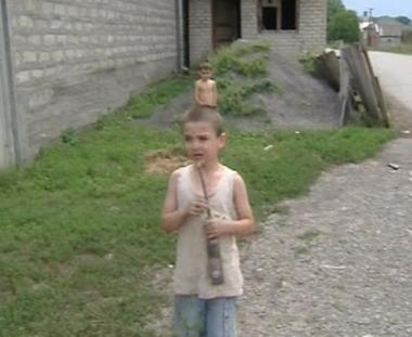 مفوض المجلس الأوروبي يطلع على أحوال اللاجئين الأوسيتيين