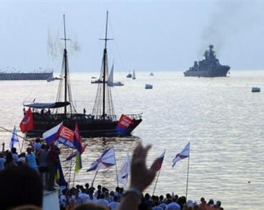 سفن حربية روسية تعود لقاعدتها في سيفاستوبول