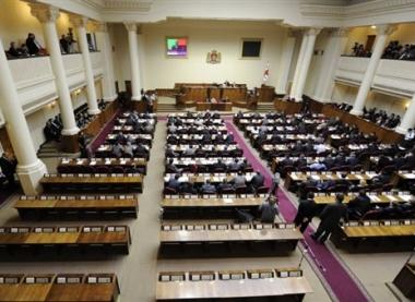 البرلمان الجورجي يوصي بقطع العلاقات الدبلوماسية مع روسيا