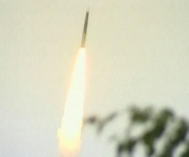 روسيا تطلق بنجاح صاروخا بالستياً