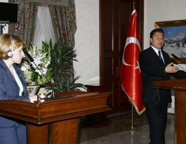 جورجيا تتهم روسيا وتركيا تدعو إلى حل أزمة القوقاز بطرق دبلوماسية