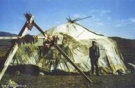 يارانغا- الخيمة التقليدية لمربي الايل
