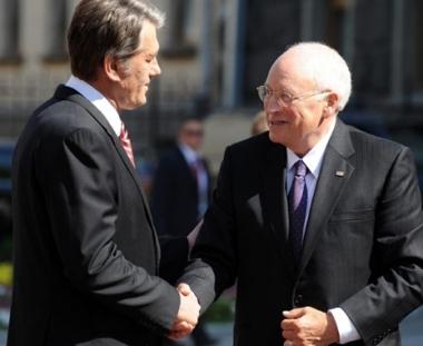 يوشينكو يشير إلى تقارب موقف أوكرانيا وأمريكا من الوضع في القوقاز