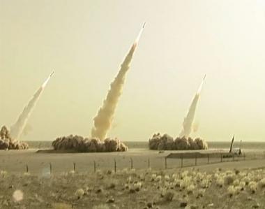 مناورات عسكرية إيرانية تحسباً لضربة أمريكية