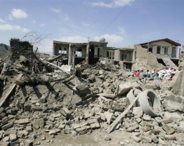 مقتل 7 أشخاص في زلزال قوي يهز جنوب إيران