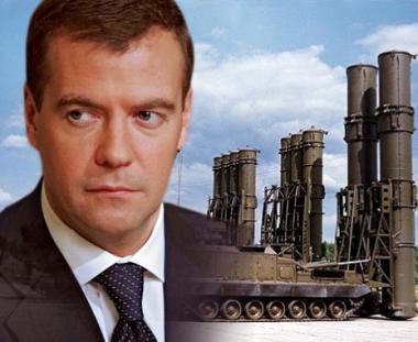 مدفيديف: روسيا ستعيد تسليح جيشها