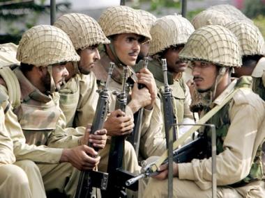 الجيش الباكستاني يعطي أوامر بإطلاق النار على القوات الأمريكية